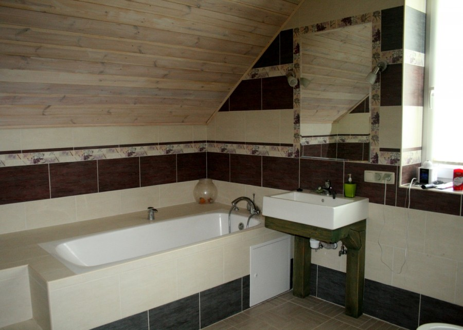 ibnhouse_room_bath2